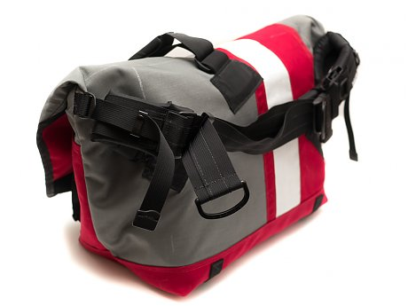 The Deluxe Messenger Is An Evolution Of Basic Zugster Standard Bag To Include Advanced Strap With Suspension Webbing
